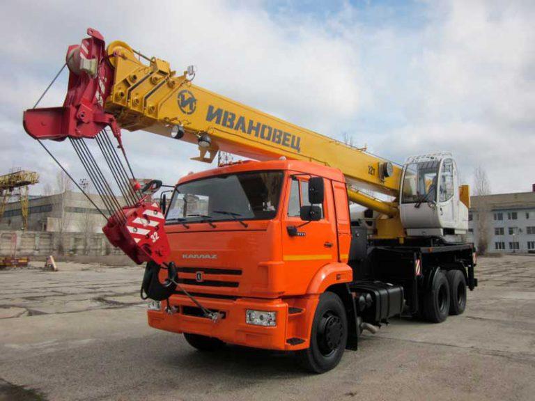 Автокран Ивановец  32 тонны 31 метр